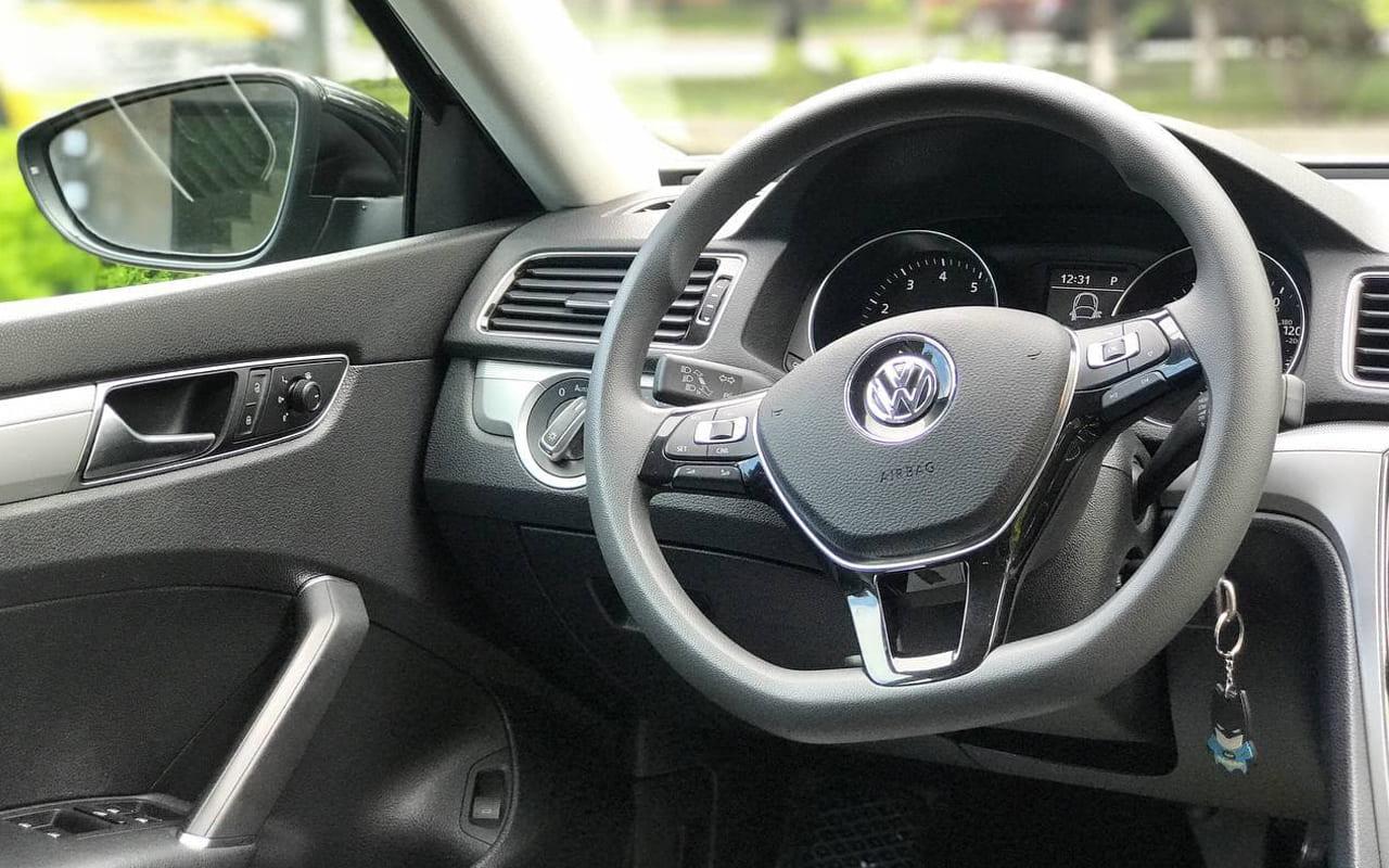Volkswagen Passat S 2018 фото №13