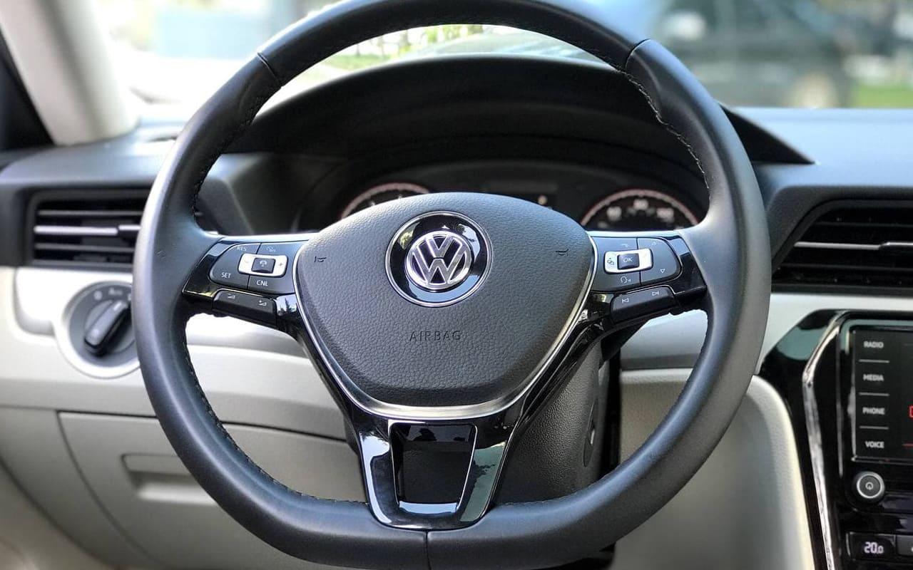 Volkswagen Passat SE 2019 фото №17