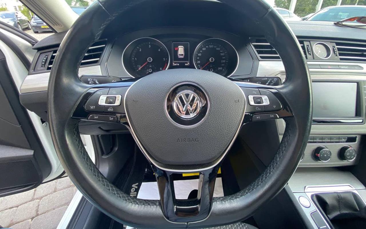 Volkswagen Passat 2015 фото №16