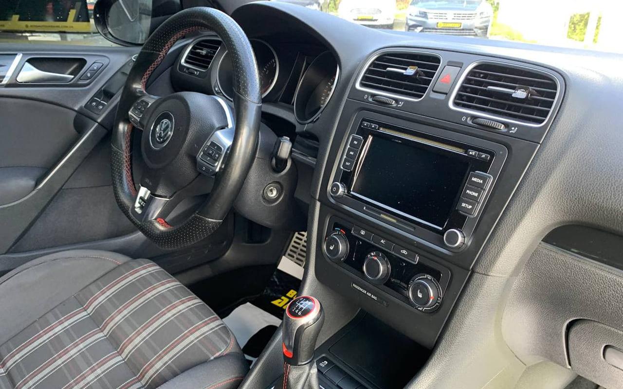 Volkswagen Golf GTI 2011 фото №19