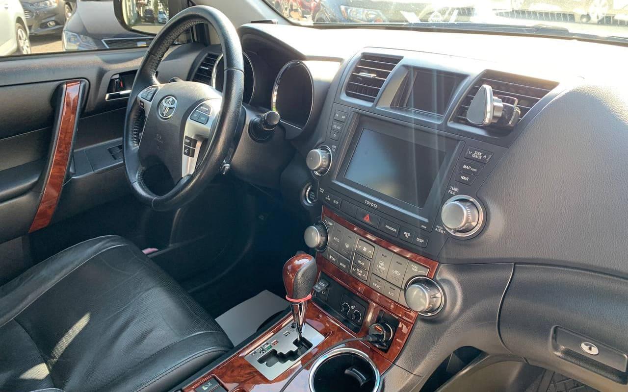 Toyota Highlander 2012 фото №19