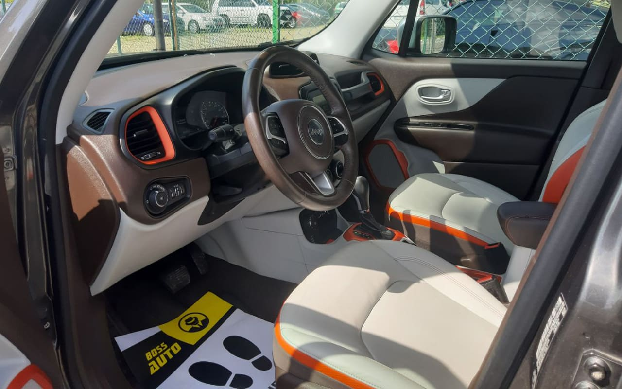 Jeep Renegade 2016 фото №7