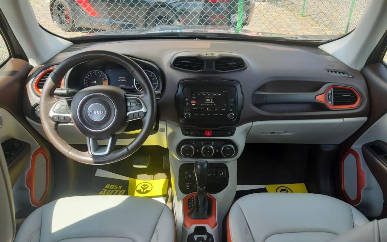 Jeep Renegade 2016 фото №9