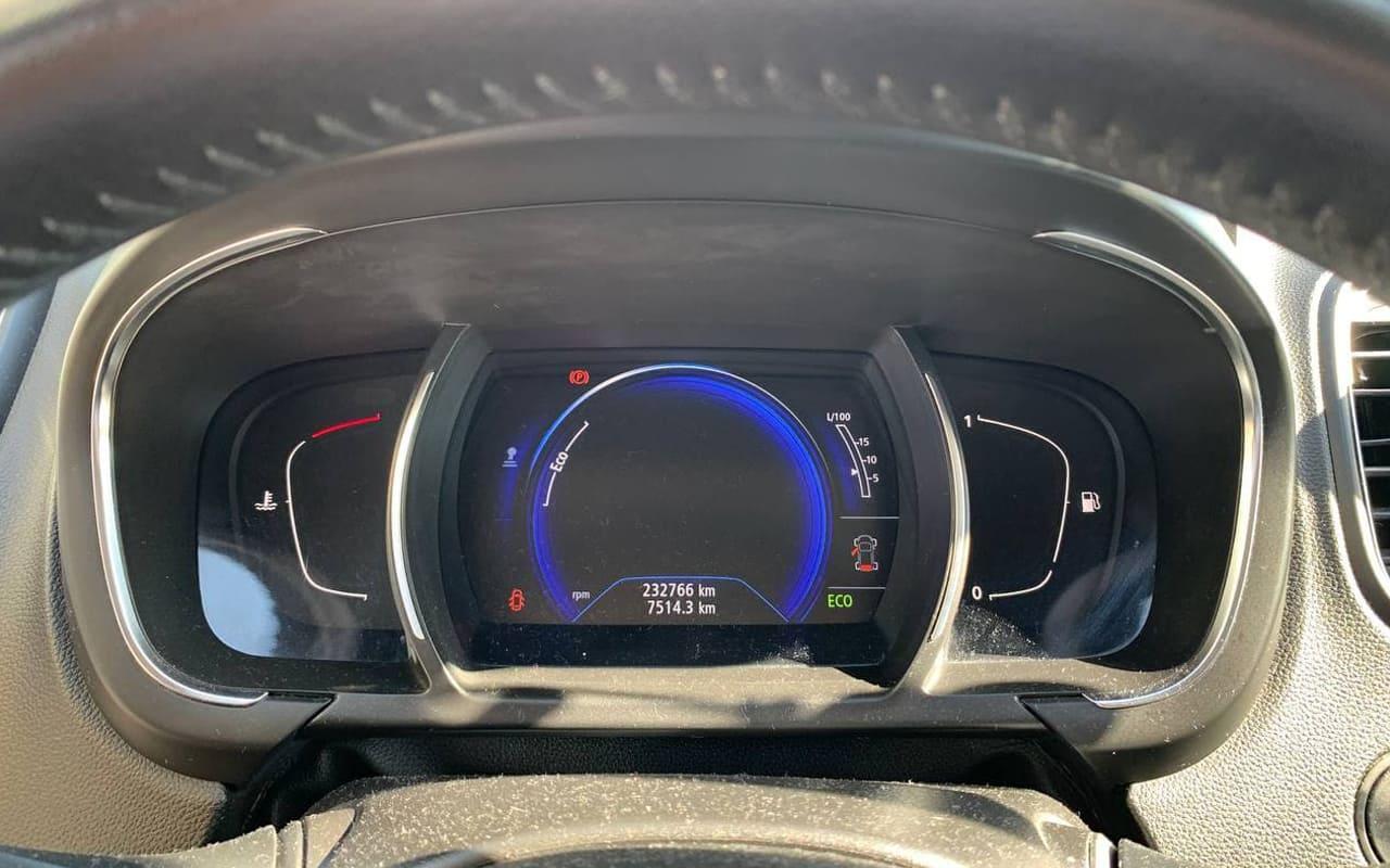 Renault Scenic 2017 фото №16