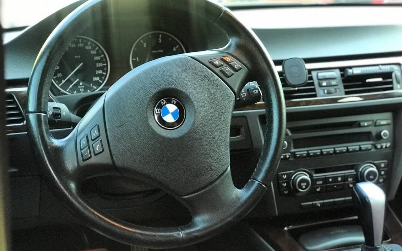 BMW 325 d 2010 фото №14
