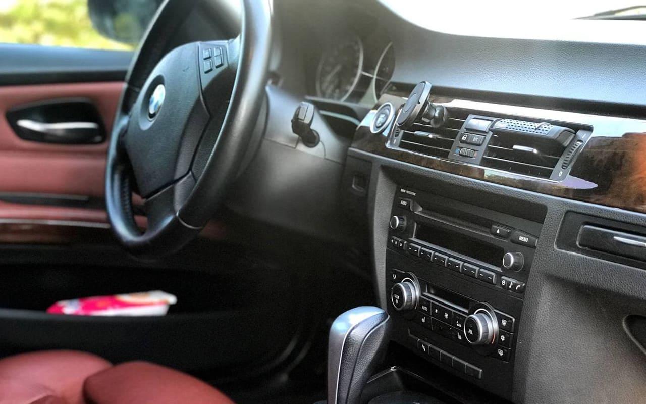 BMW 325 d 2010 фото №16