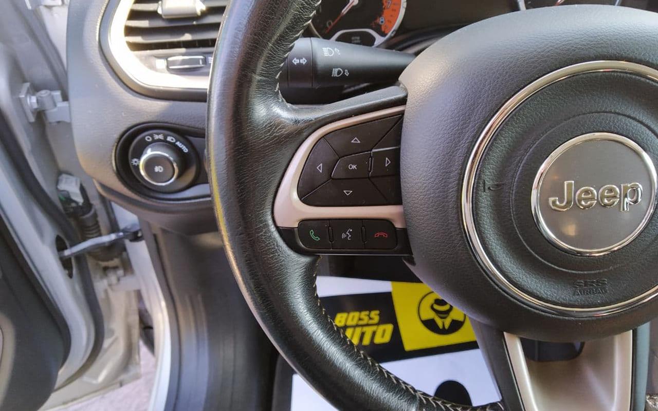 Jeep Renegade 2015 фото №11