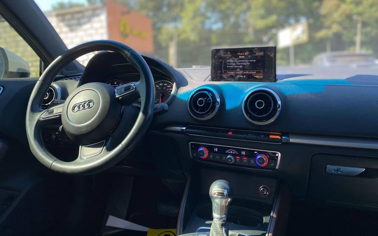 Audi A3 2015 фото №17