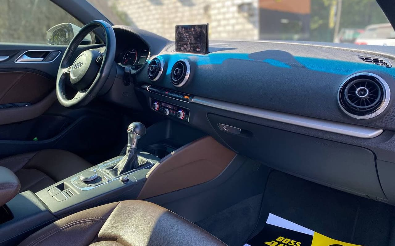 Audi A3 2015 фото №18
