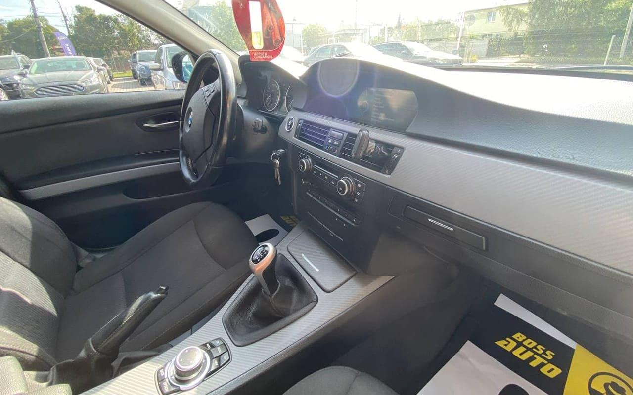 BMW 320 2011 фото №13