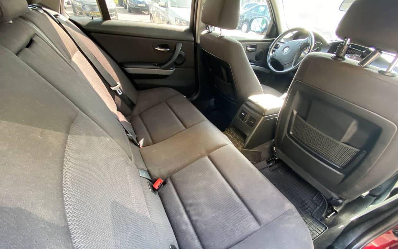 BMW 320 2011 фото №16