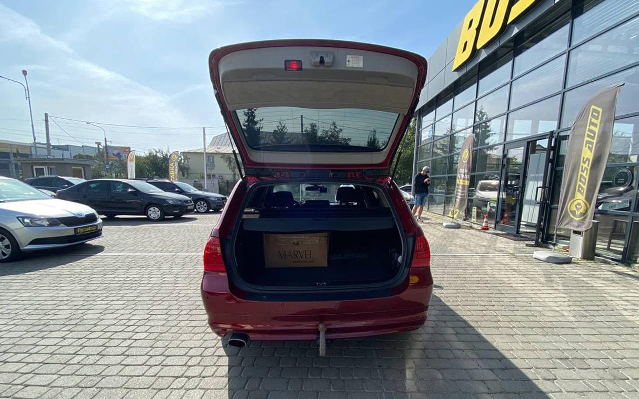 BMW 320 2011 фото №17