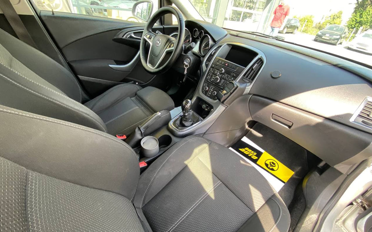 Opel Astra G 2012 фото №17