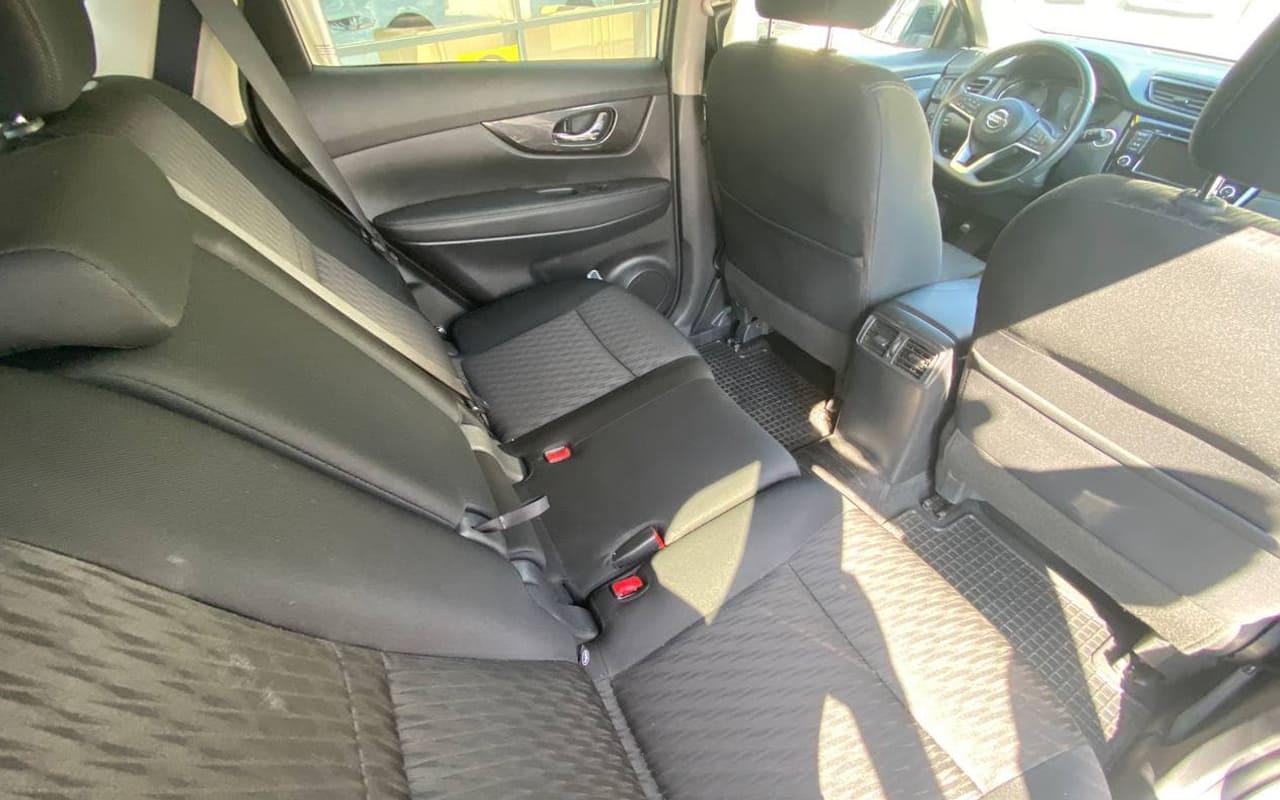 Nissan Rogue SV 2018 фото №18
