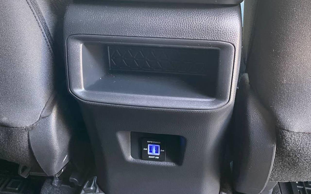 Toyota RAV4 LE 2020 фото №19