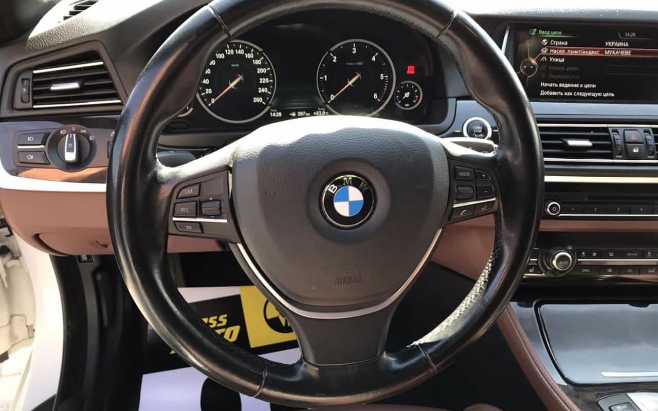 BMW 530 xDrive 2015 фото №14