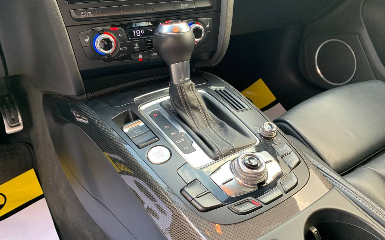 Audi S4 2013 фото №17