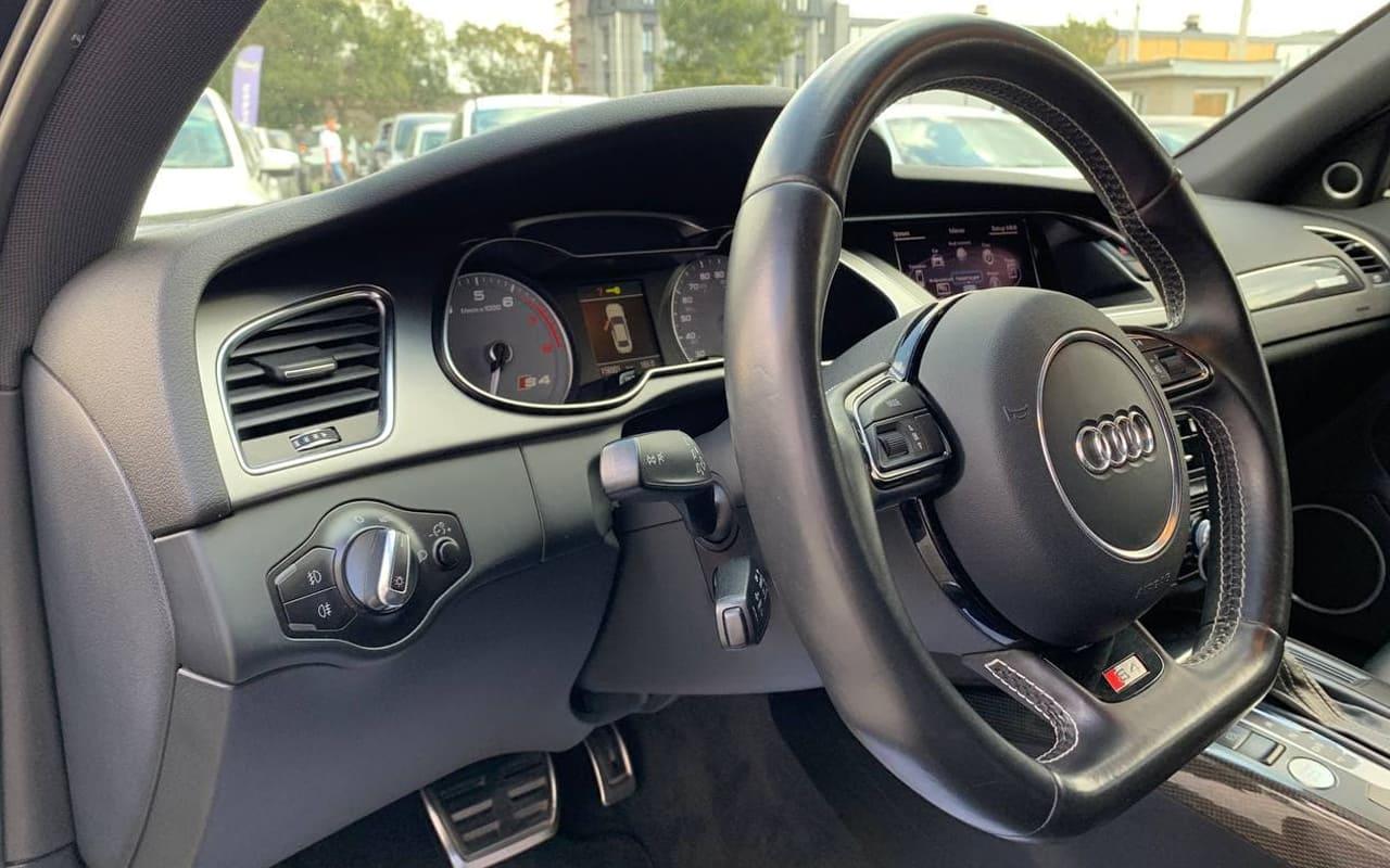 Audi S4 2013 фото №20