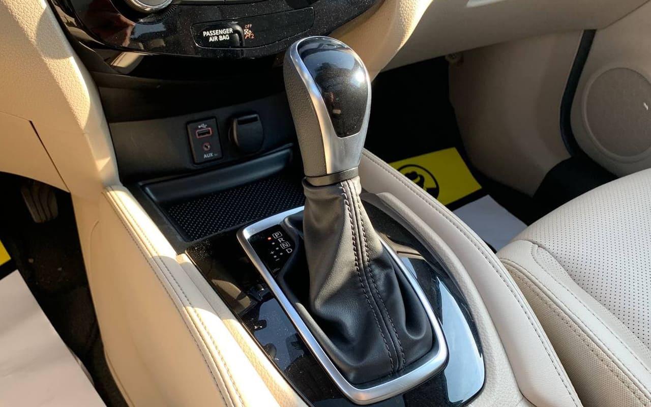Nissan Rogue SL 2017 фото №16