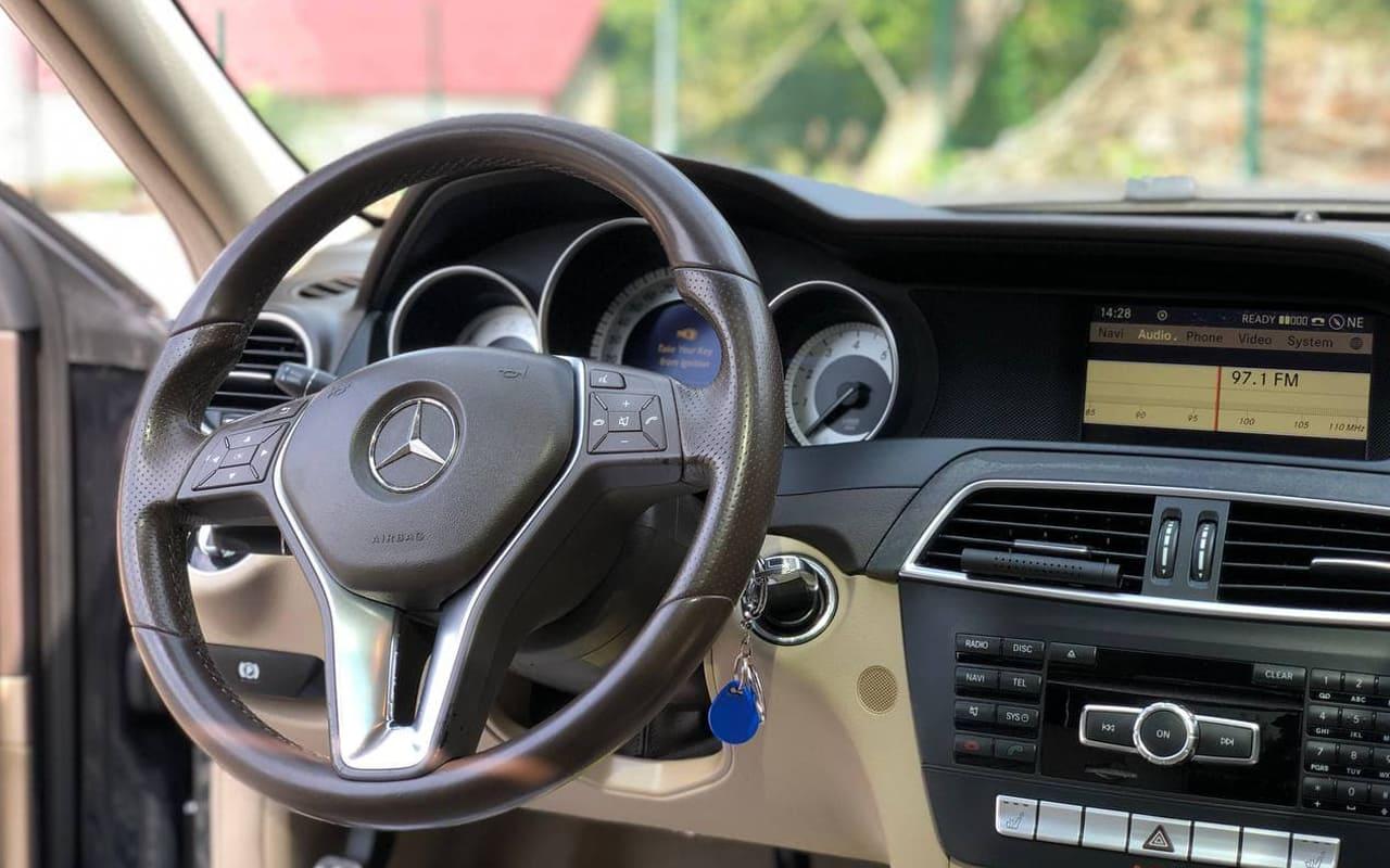Mercedes-Benz C 250 2011 фото №19
