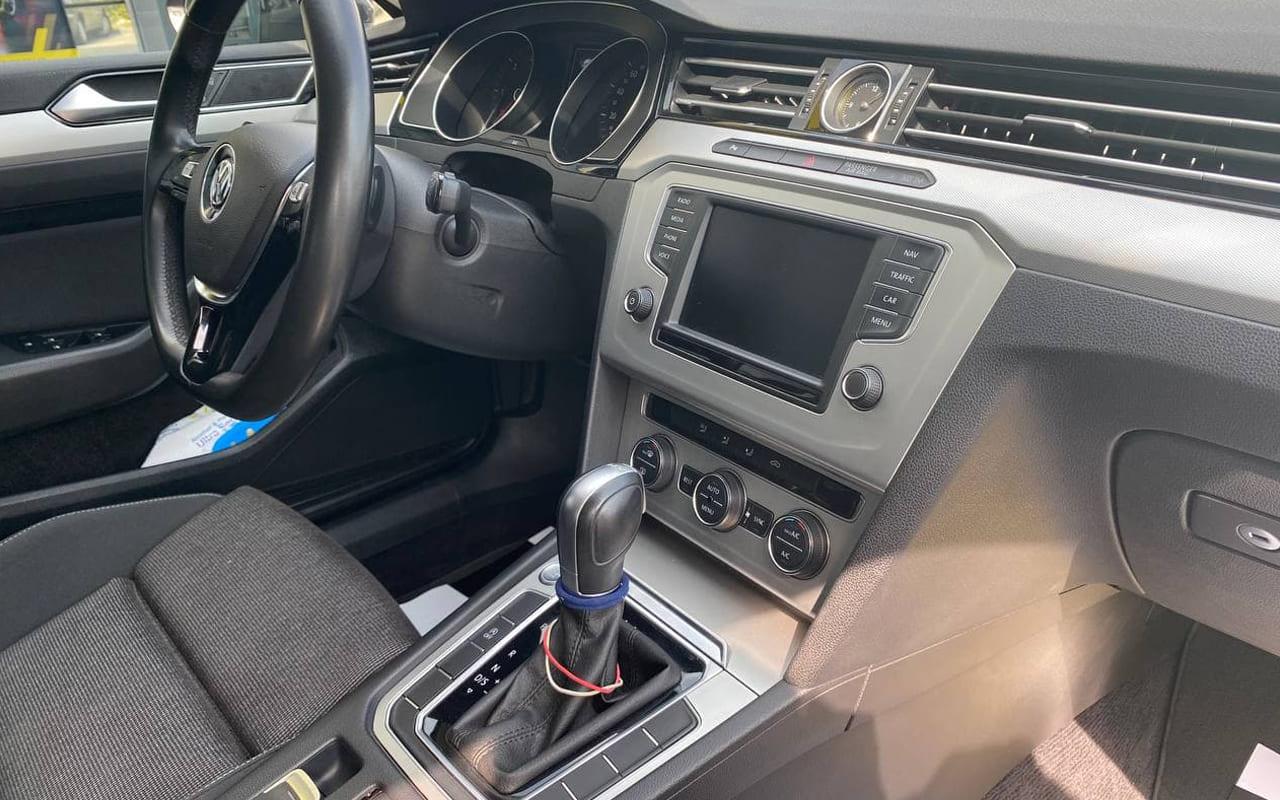 Volkswagen Passat 2017 фото №18