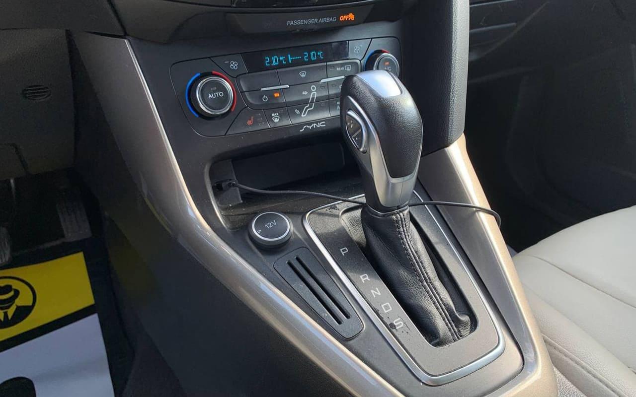 Ford Focus Titanium 2016 фото №17