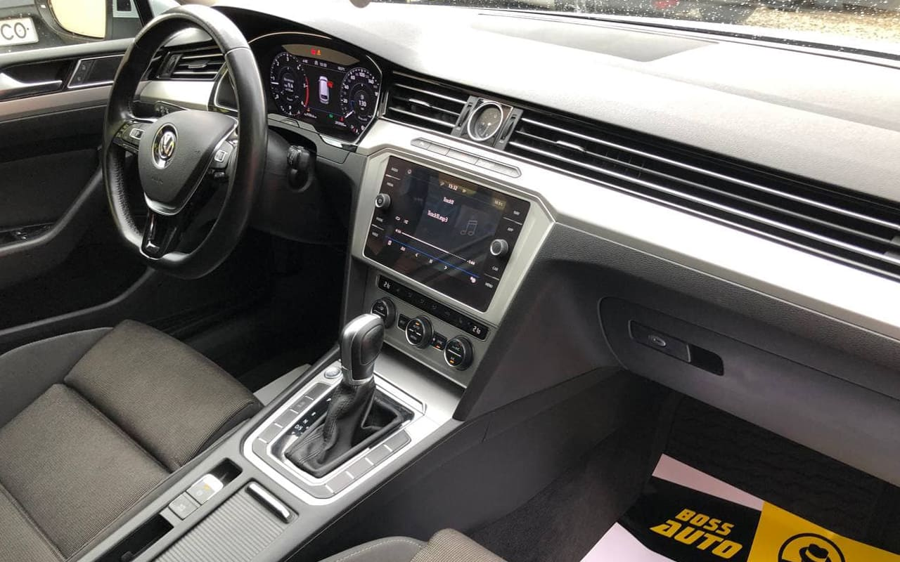 Volkswagen Passat 2018 фото №18