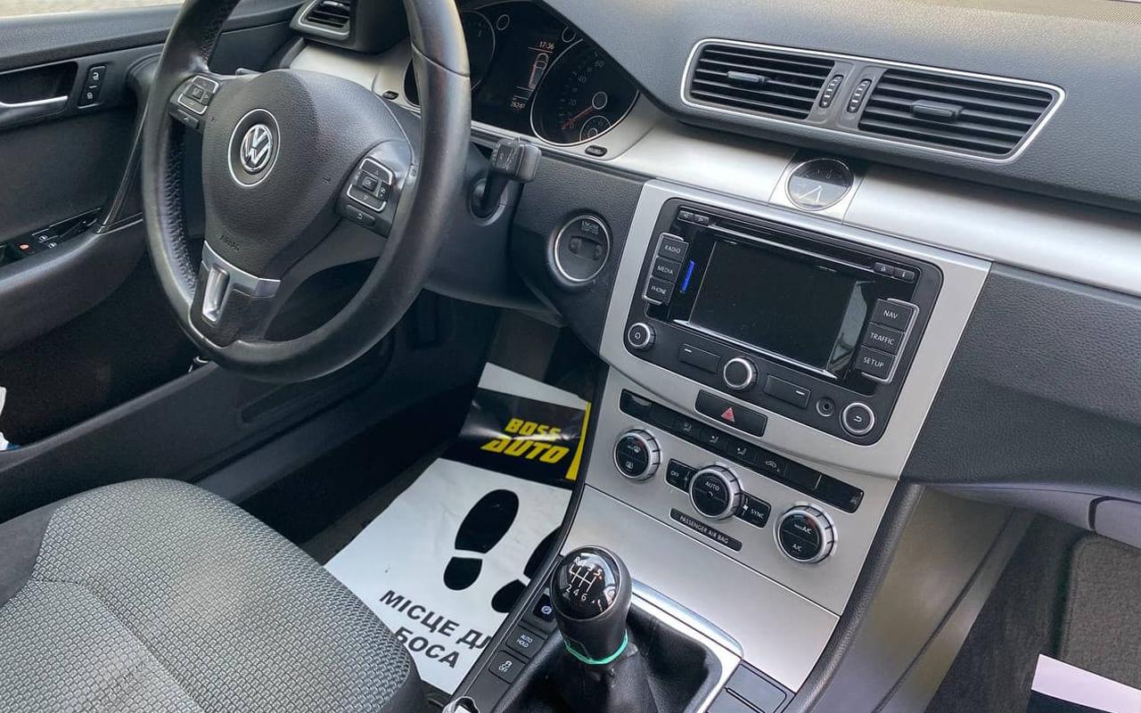 Volkswagen Passat 2013 фото №16