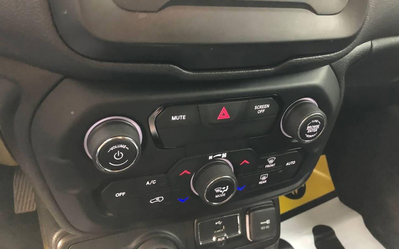Jeep Renegade 2019 фото №16