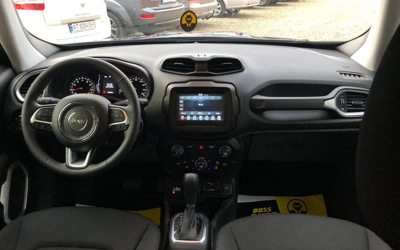 Jeep Renegade 2019 фото №19