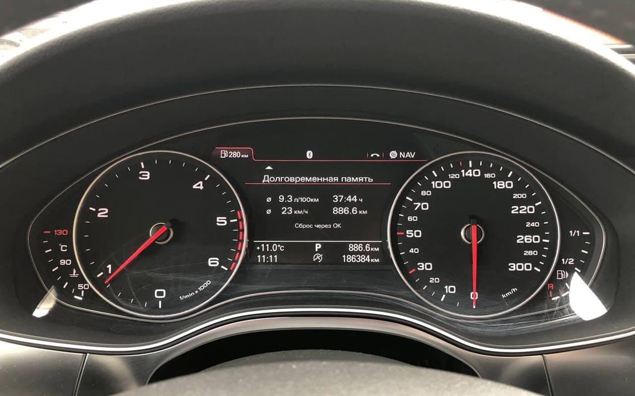 Audi A6 2011 фото №18