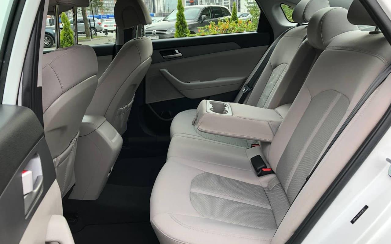 Hyundai Sonata SE 2017 фото №10