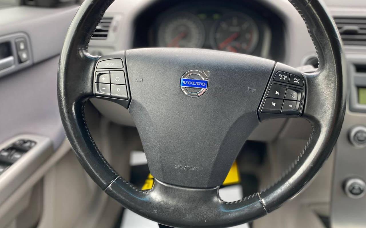 Volvo V50 2009 фото №16