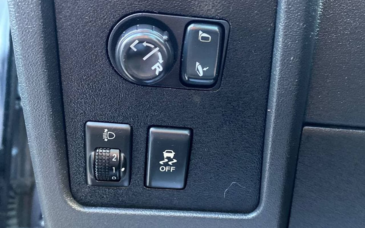 Nissan Qashqai+2 2010 фото №15