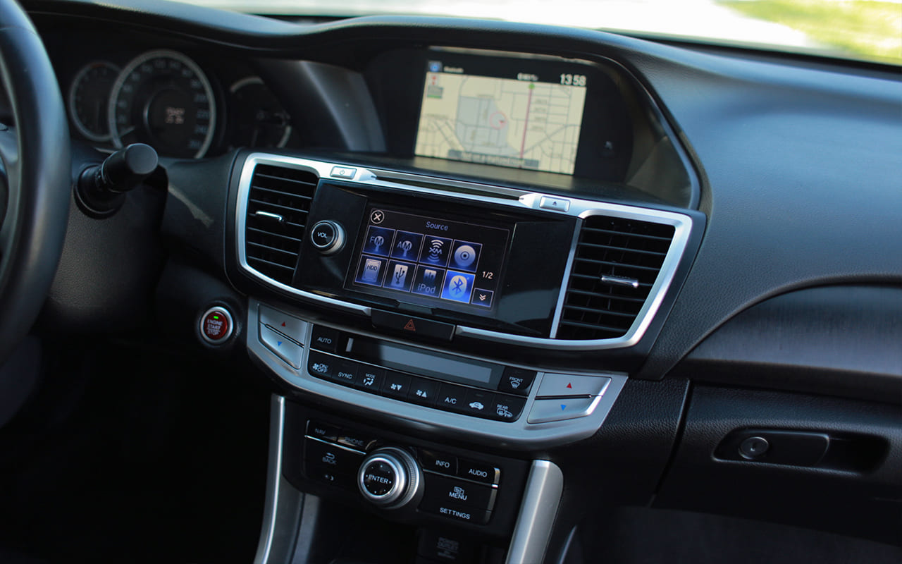 Honda Accord Touring 2015 фото №17