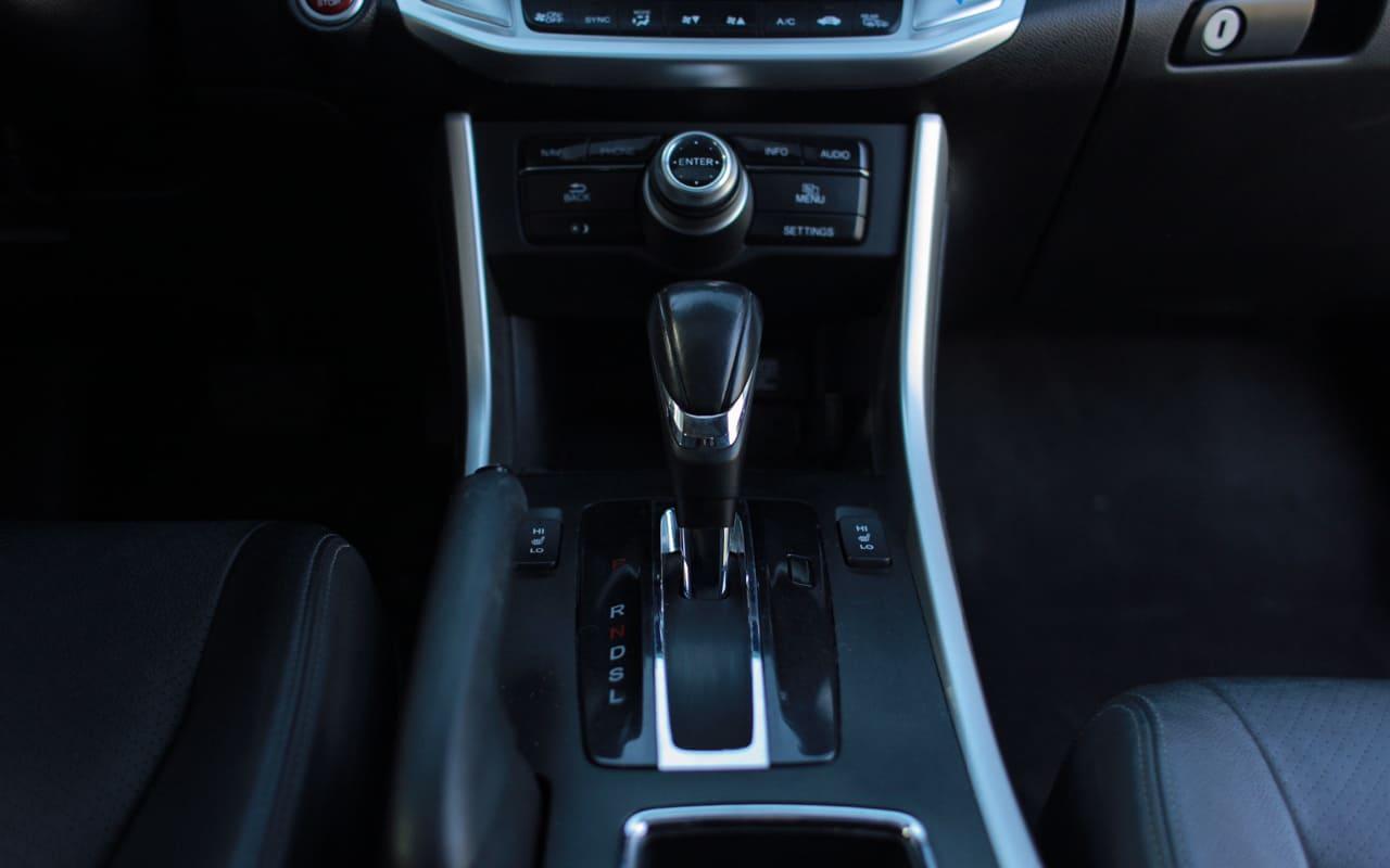 Honda Accord Touring 2015 фото №18