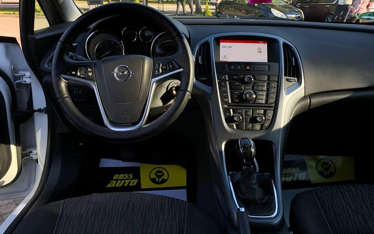 Opel Astra J 2014 фото №7