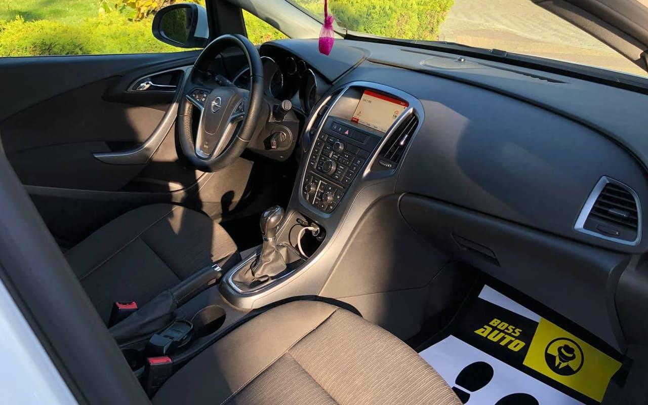 Opel Astra J 2014 фото №10