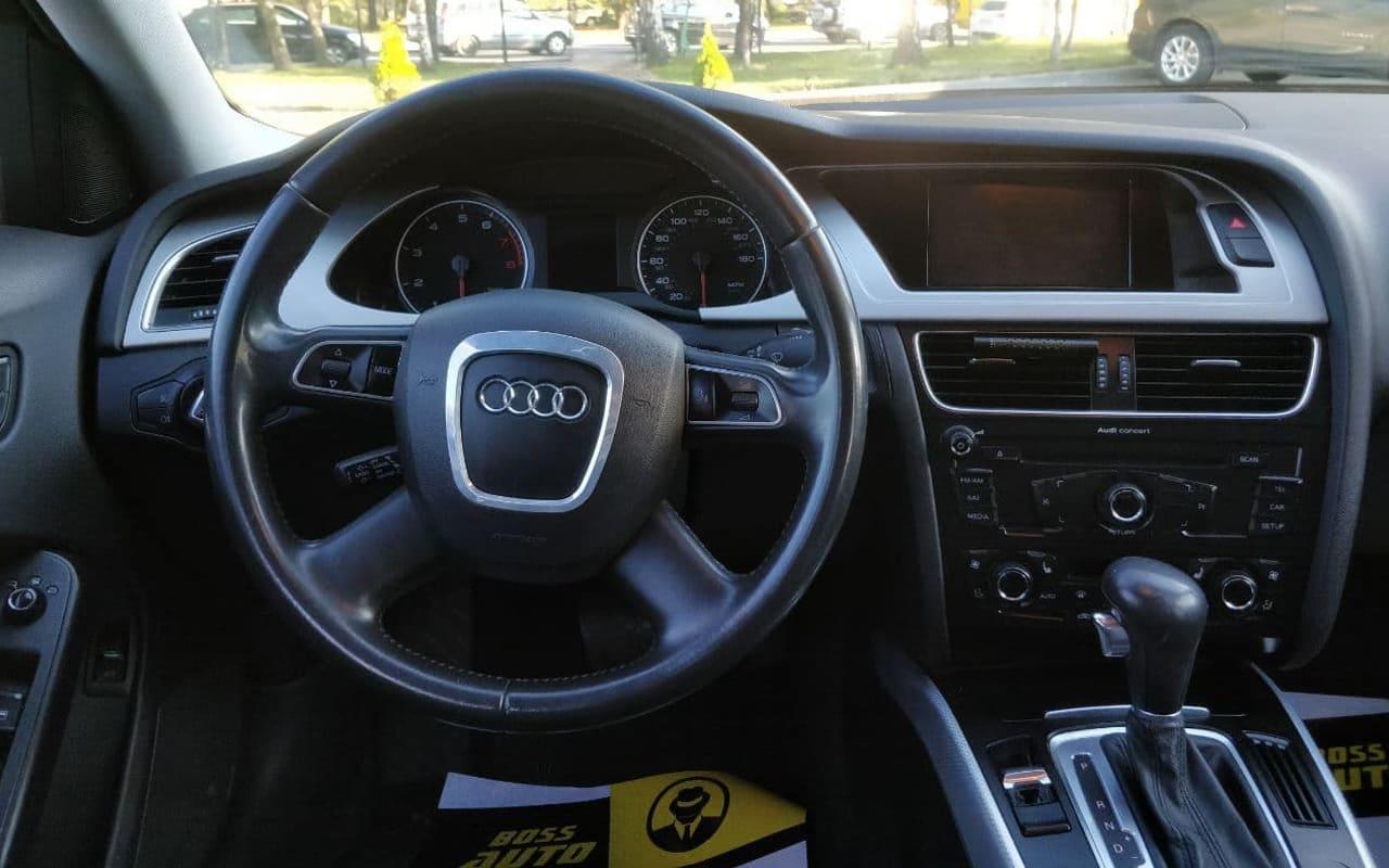 Audi A4 2011 фото №15