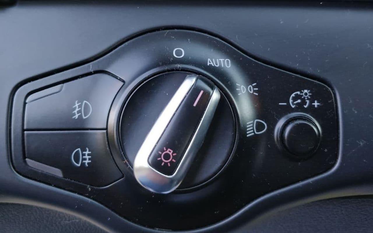 Audi A4 2011 фото №16