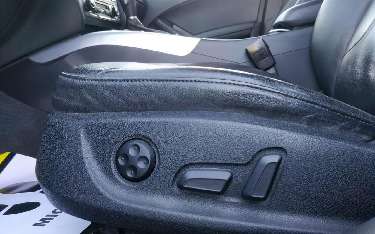 Audi A4 2011 фото №18