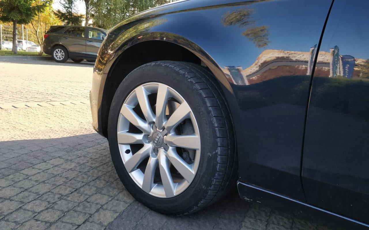 Audi A4 2011 фото №19