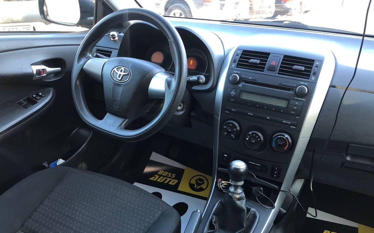 Toyota Corolla 2013 фото №16