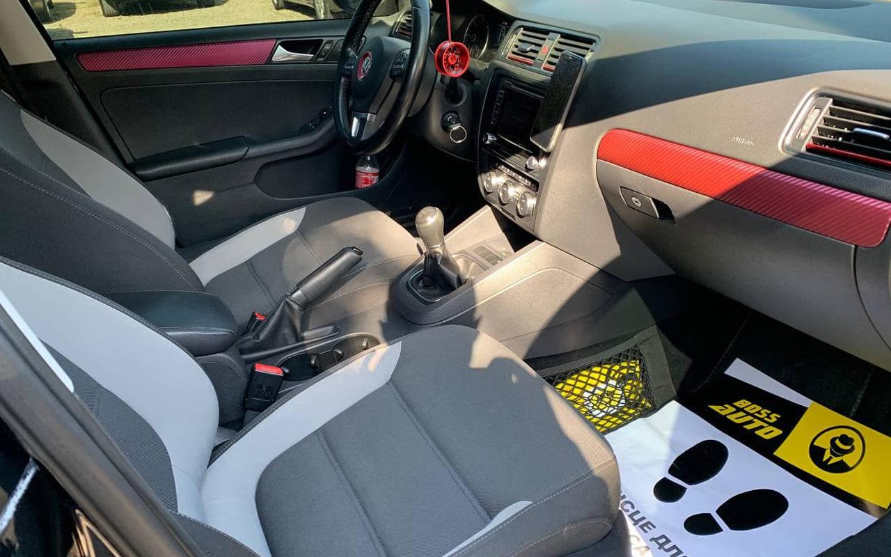 Volkswagen Jetta 2013 фото №18