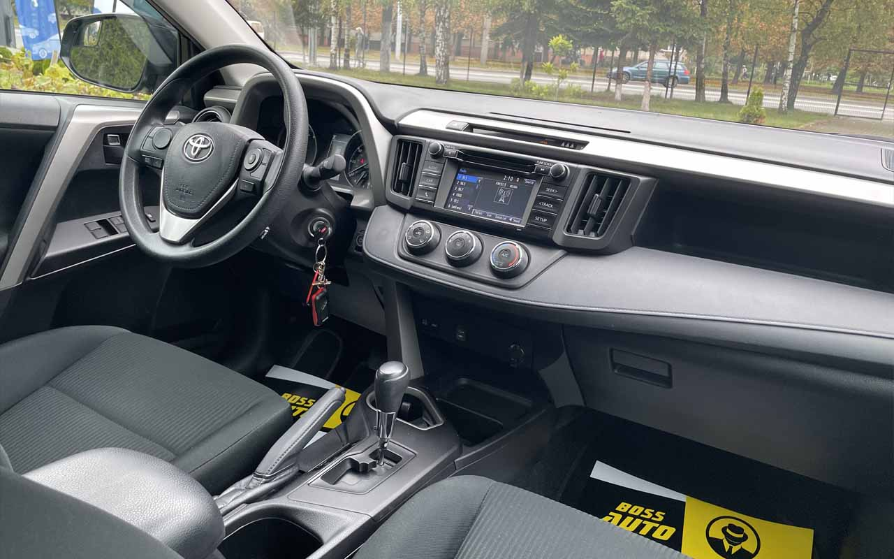 Toyota RAV4 2018 фото №19