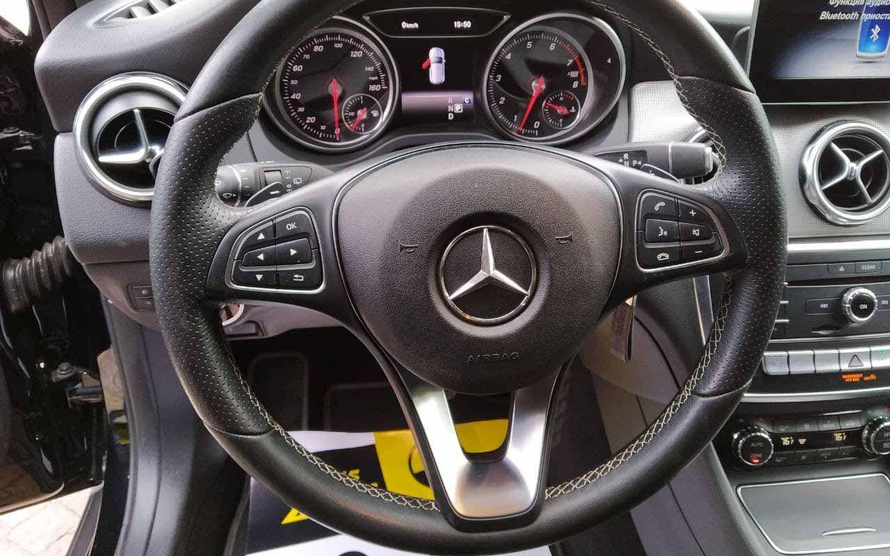 Mercedes-Benz GLA 200 2017 фото №17