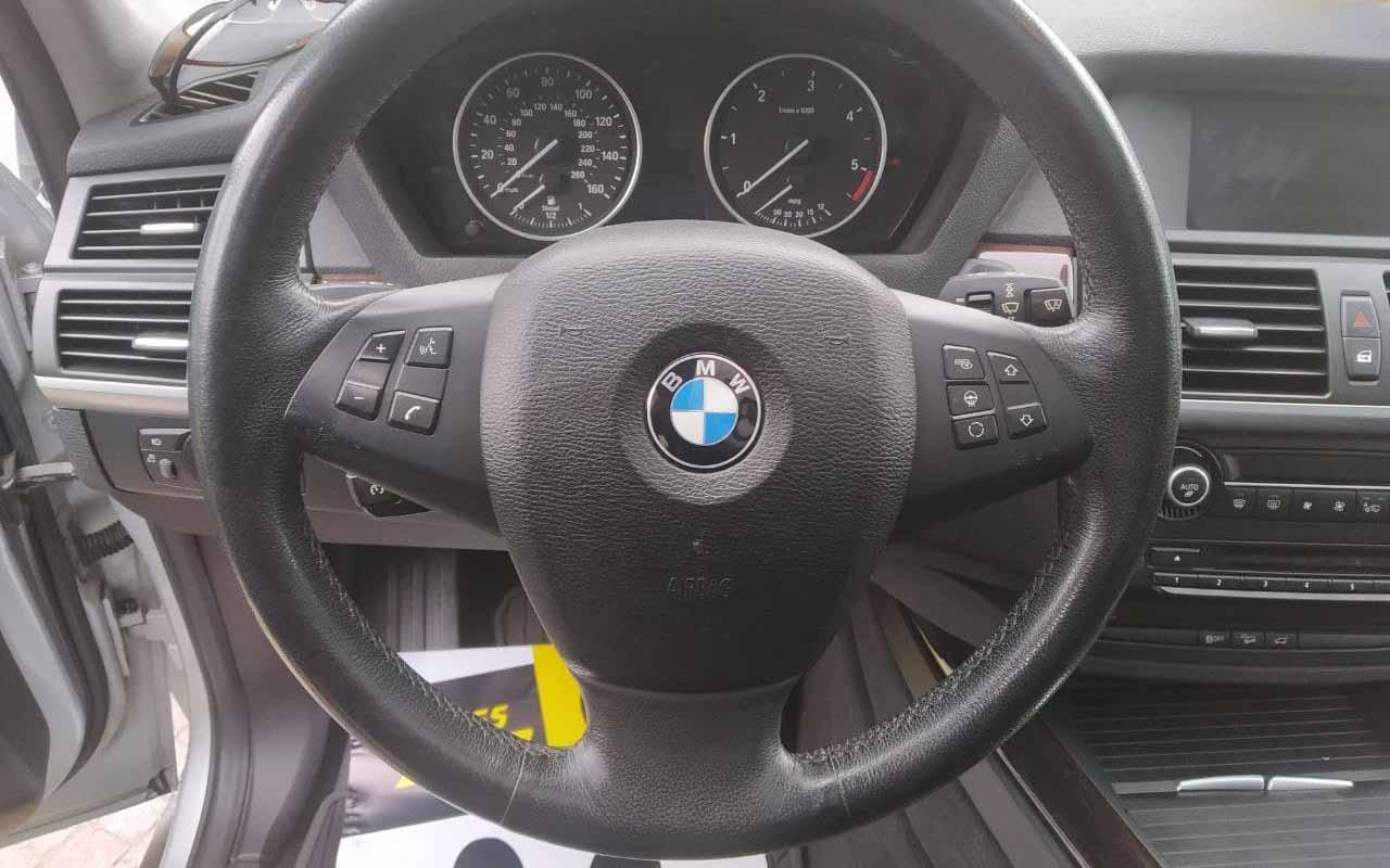 BMW X5 2011 фото №19